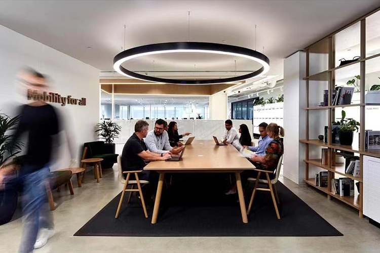 New connect method for large circle pendant light